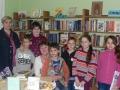 Kálnay Adél  is ellátogatott el a könyvtárunkba, a Könyvmolyképző  szakkör meghívására. A népszerű előadó bemutatta,  a gyerekeknek szóló könyveit, beszélt gyermekkoráról